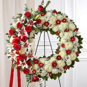 Morristown Florist | Red Rose Wreath
